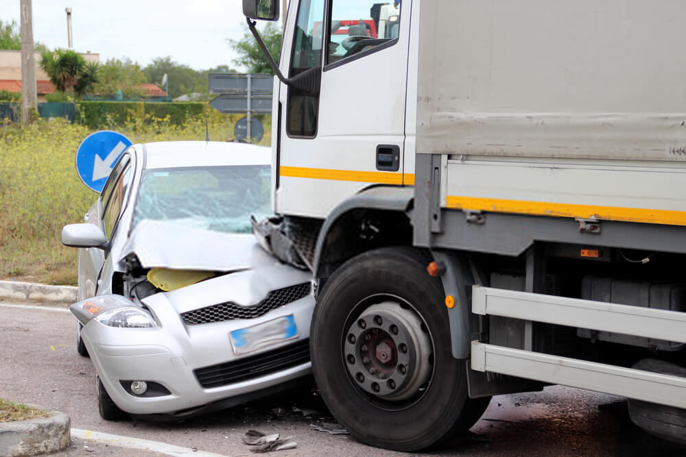 Unfallwagen und LKW - Autoverschrottung, Autoverwertung, Autoentsorgung deutschlandweit